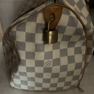 100% authentic Louis Vuitton Speedy 30 Bag